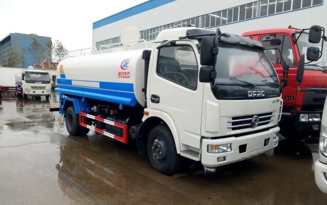 多利卡洒水车︱9吨洒水车