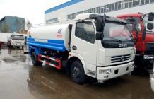 东风多利卡洒水车︱9吨洒水车