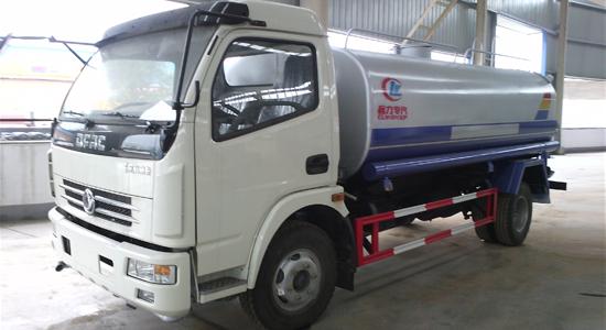 东风多利卡洒水车︱8吨洒水车