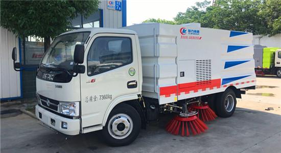 东风多利卡扫路车|6吨扫路车
