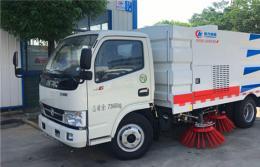 手机万博官网最新版本小多利卡扫路车︱5吨扫路车