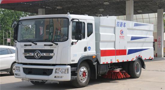 手机万博官网最新版本D9扫路车︱10吨扫路车