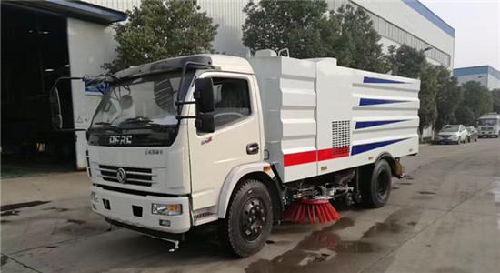 手机万博官网最新版本多利卡洗扫车︱8吨洗扫车