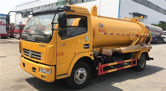 东风多利卡吸污车︱5吨吸污车