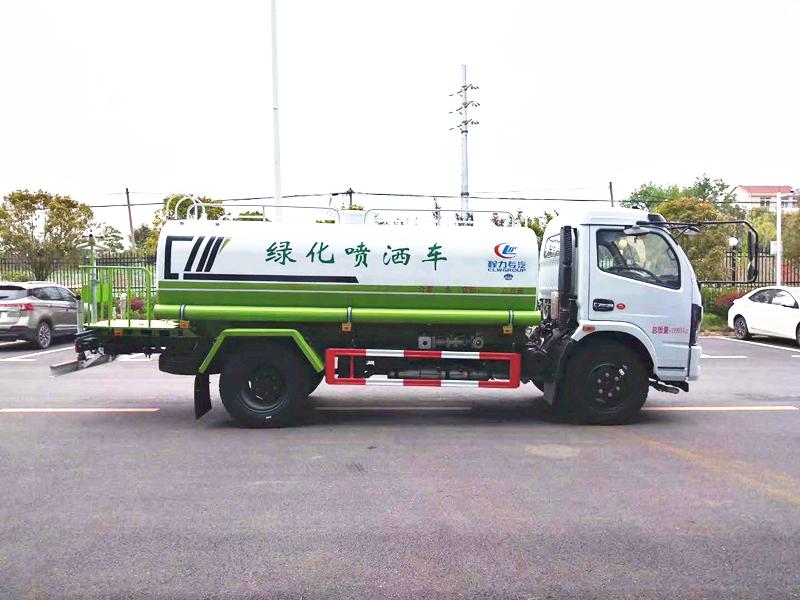 东风福瑞卡10吨洒水车图片