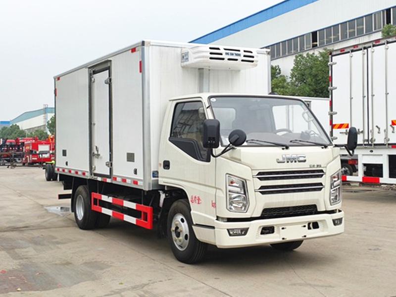 江铃新顺达冷藏车(厢长4.2米)