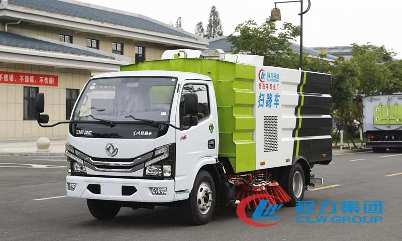 手机万博官网最新版本小多利卡5吨扫路车