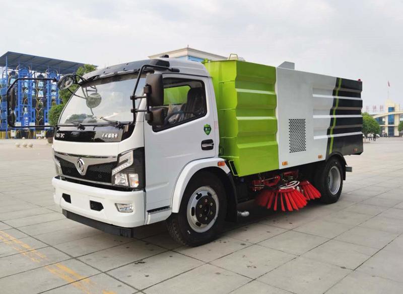 东风大福瑞卡8吨扫路车
