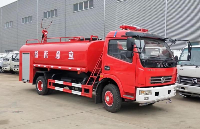 东风多利卡8吨消防洒水车(出口专用)